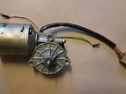 Мотор-редуктор стеклоочистеля СЛ136-200 12/10